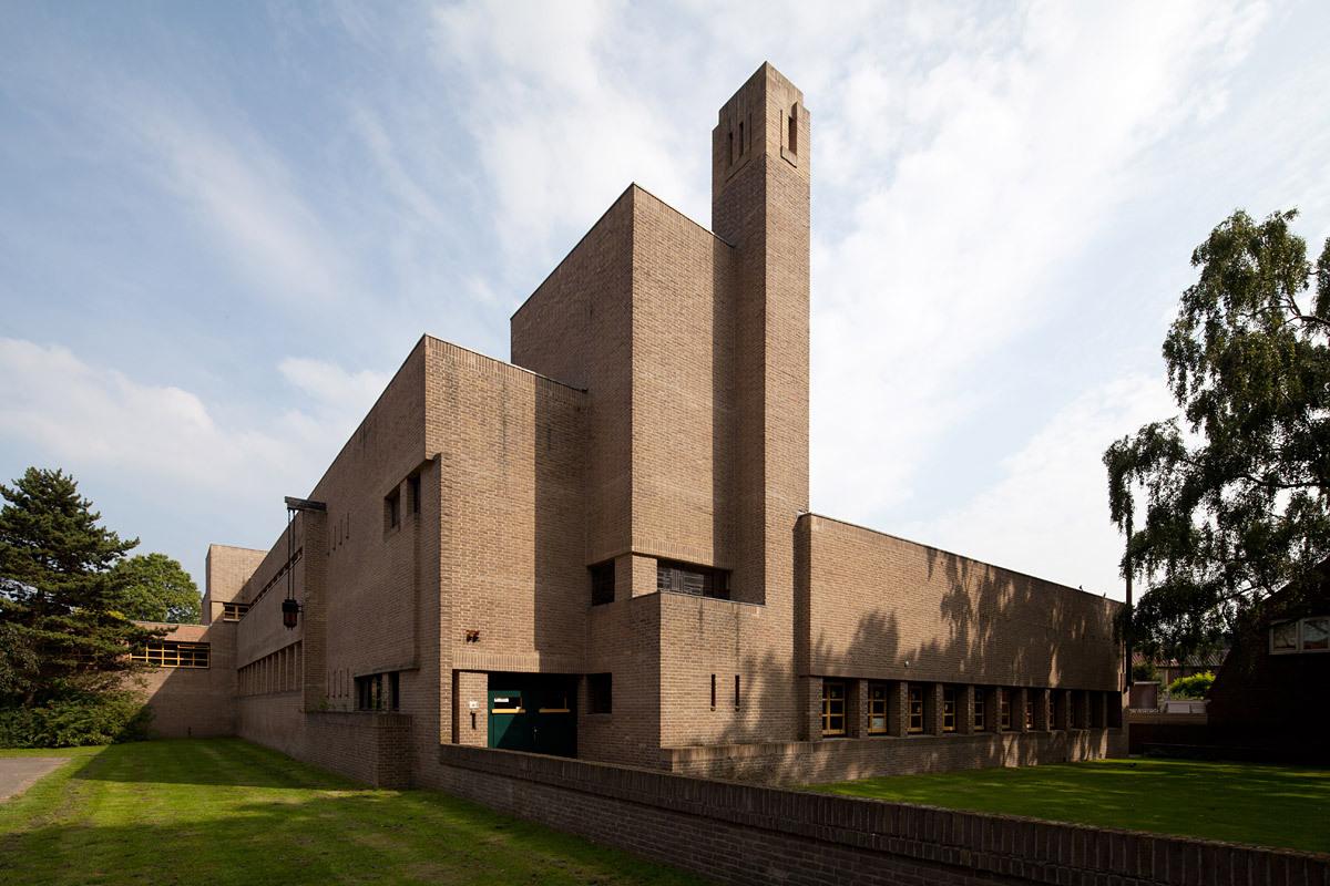 Hilversum su arquitecto y un rellenador de plantas for Arquitectos y sus obras